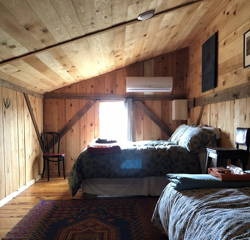 SHARED PRIVATE WITH SHARED BATH, from $425/person - Features: Shared Bath, Fresh Linens, Cozy Space