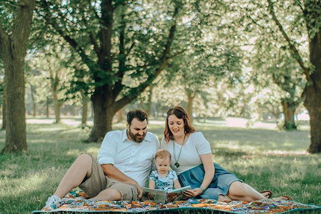 Alison's family. 🍃 . . . .  #Omaha #Nebraska #Apricity #Portraits #Photography #Instagood #fpme #livethelittlethings #littlethingstheory #lookslikefilm #omahaphotographer #nebraskaphotographer  #buildandbloom #canon #thefolkpr0ject #photo_collective #theportraitpr0ject #pursuitofportraits #discoverportrait #bravoportraits #portraitpage #portraitmood #kidsphotography #familyphotographer #omahaphotography
