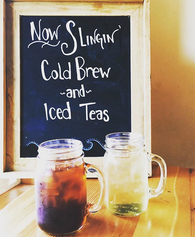 Now serving fresh house made cold brew from @coavacoffee and @metoliustea Sweet Bee Green and Black & Gold iced cold teas! @dakinecafe #bendoregon #centraloregon