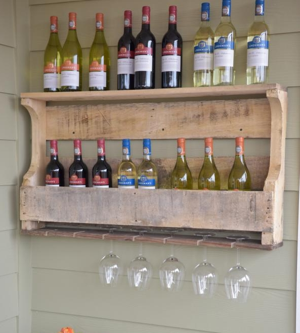 wine rack from pallet.jpeg
