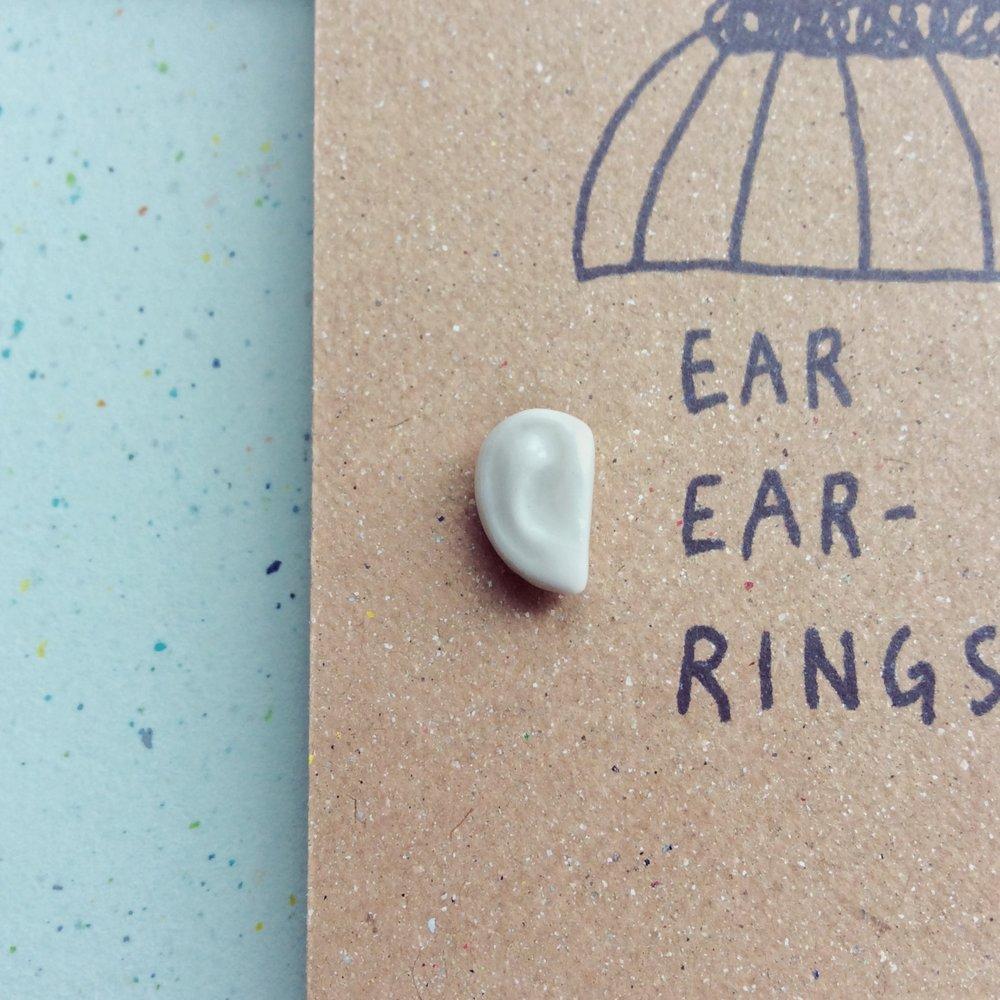 ear ear-rings -