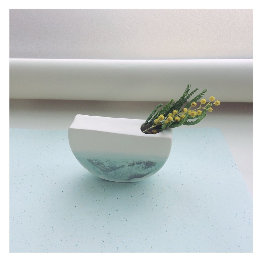 boat vase -