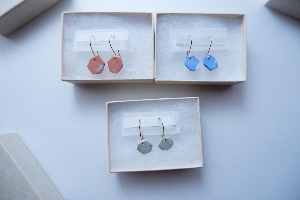rokka earrings (terracotta/blue/mint)