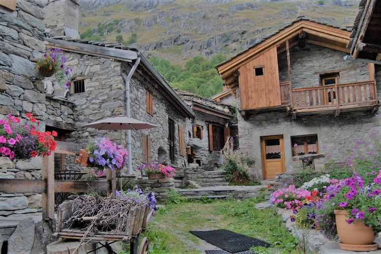 https://fr.wikipedia.org/wiki/Les_plus_beaux_villages_de_France, french alps, savoie