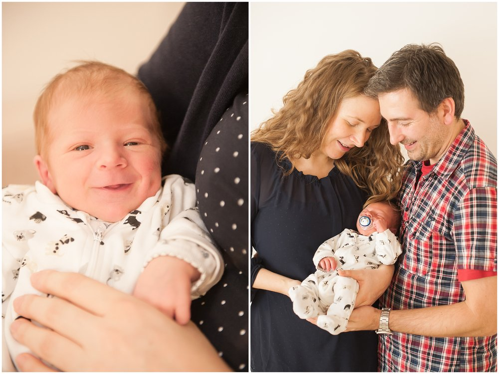 newborn-lächeln-super-süß
