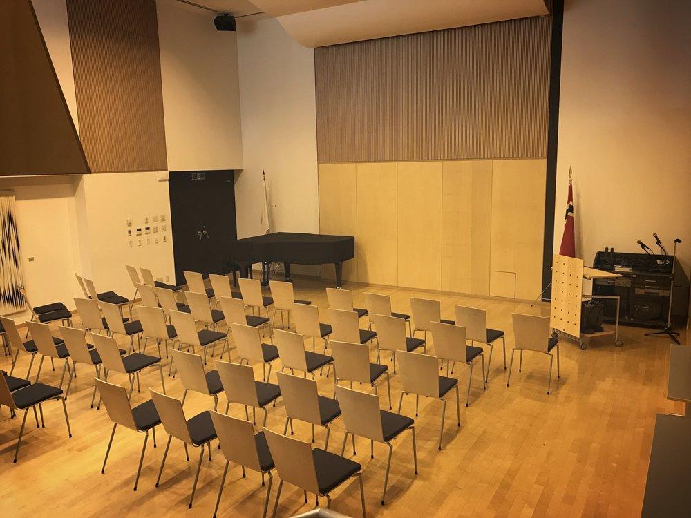 会員企業の皆様はノルウェー大使館のオーロラホールをご利用することができます。
