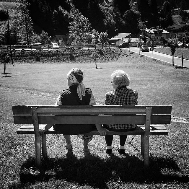 Have a look! #streetphotography #valdifassa #oldpeople #looking #solitude #grandmother