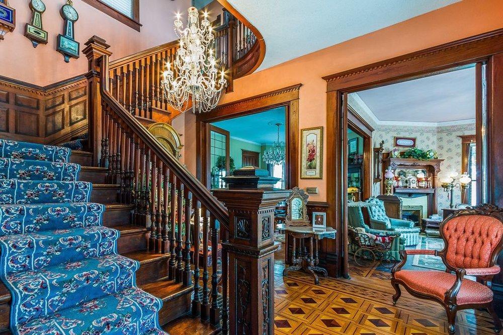 house entryway.jpg