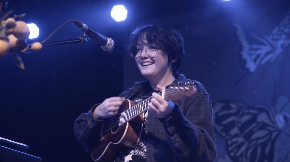 chloe Moriondo - Live Performance