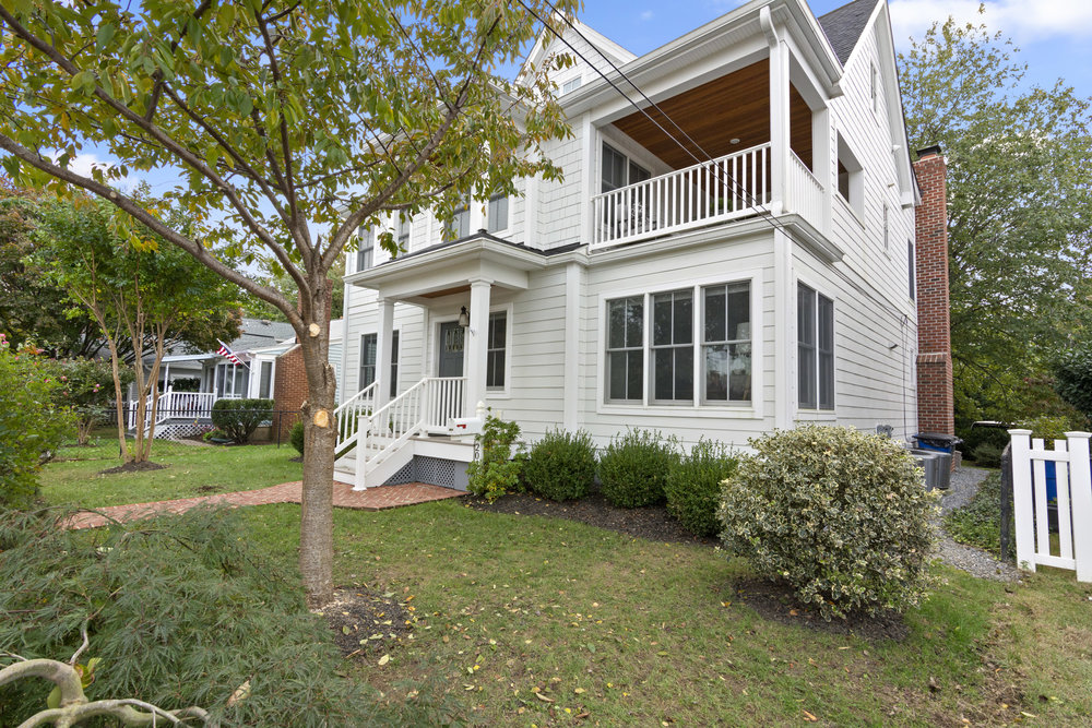 This expanded and renovated stunner at 204 Lockwood Court in the heart of Eastport embodies true Annapolis maritime tradition. Just listed for sale by Jerry Kline, realtor, Keller Williams Flagship of Maryland, the home is a distinctive fusion of the Craftsman & Coastal architectural styles.