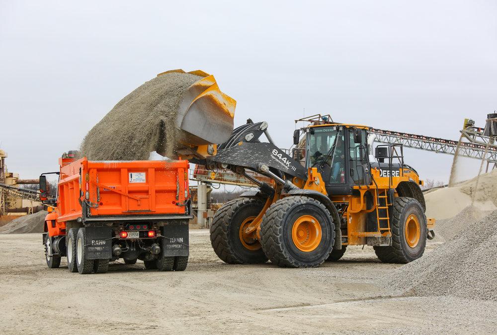 844AG loading Ashmore 1.jpg