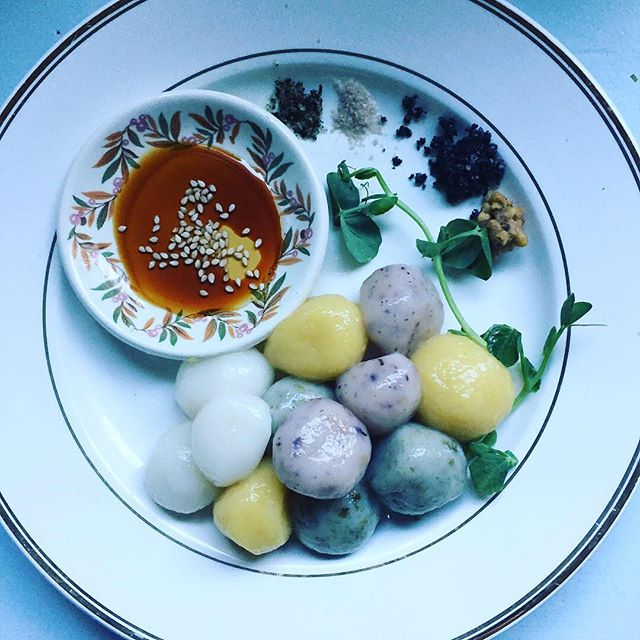 Mochi is one of my favorite things on the planet! Get yours this Sunday at our Cha Kaiseki collaboration with @tomokotahara . It's going to be a small group and special night! Just a few tickets left!  #scoutthis #yvrfoodie #foodie #yvreats #yvrchef #northwestchefs #kaiseki #tea