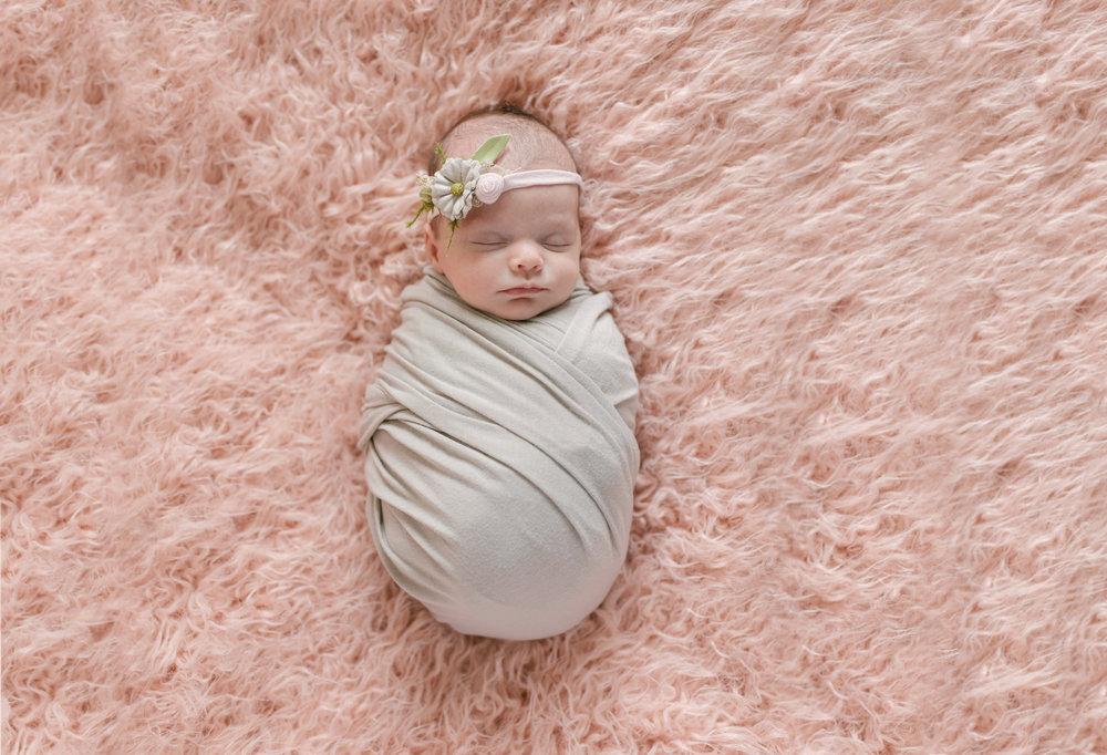 when to book your newborn session newborn blog by warren ohio newborn photographer christie leigh photo-10.jpg