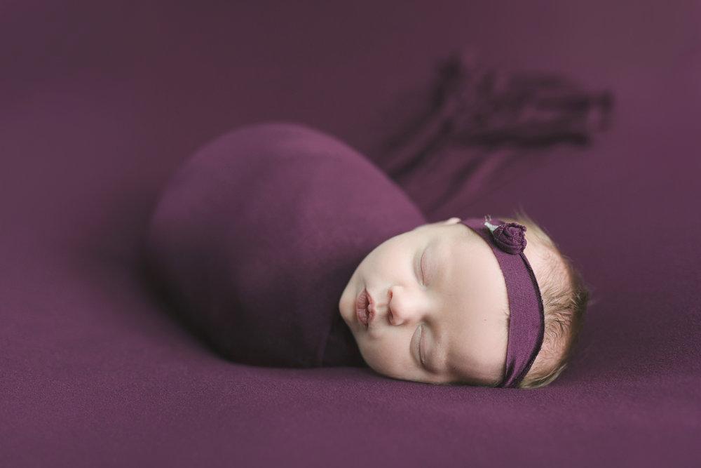 when to book your newborn session newborn blog by warren ohio newborn photographer christie leigh photo-15.jpg