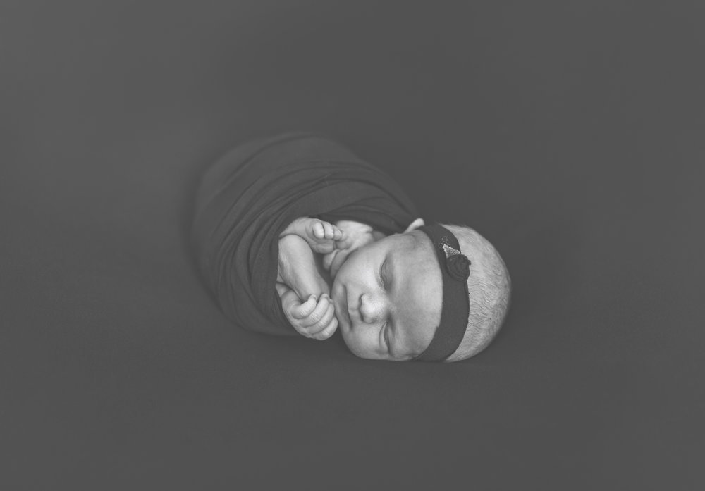 when to book your newborn session newborn blog by warren ohio newborn photographer christie leigh photo-1.jpg
