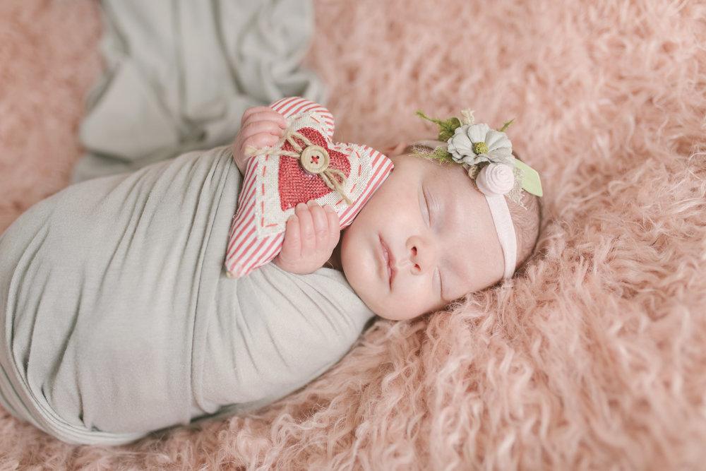 when to book your newborn session newborn blog by warren ohio newborn photographer christie leigh photo-9.jpg