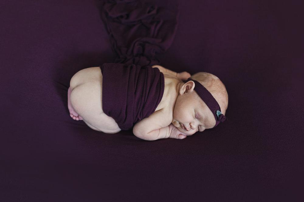 when to book your newborn session newborn blog by warren ohio newborn photographer christie leigh photo-2.jpg