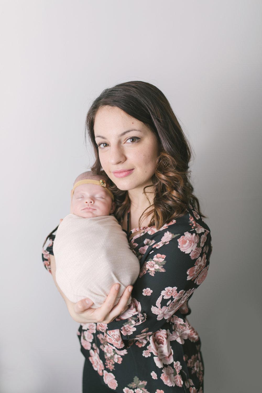 when to book your newborn session newborn blog by warren ohio newborn photographer christie leigh photo-6.jpg
