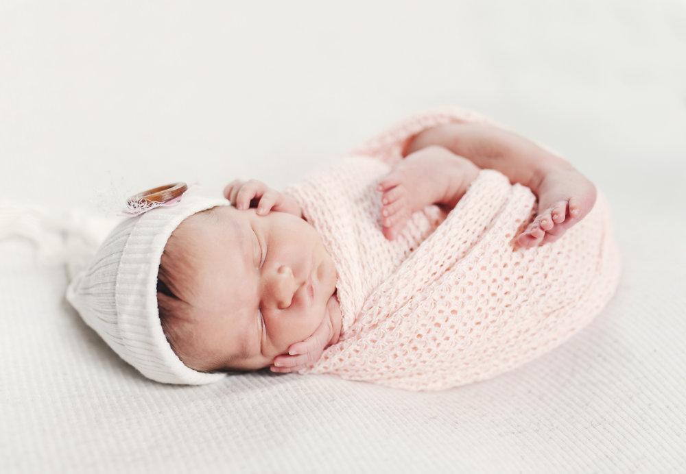 when to book your newborn session newborn blog by warren ohio newborn photographer christie leigh photo-22.jpg