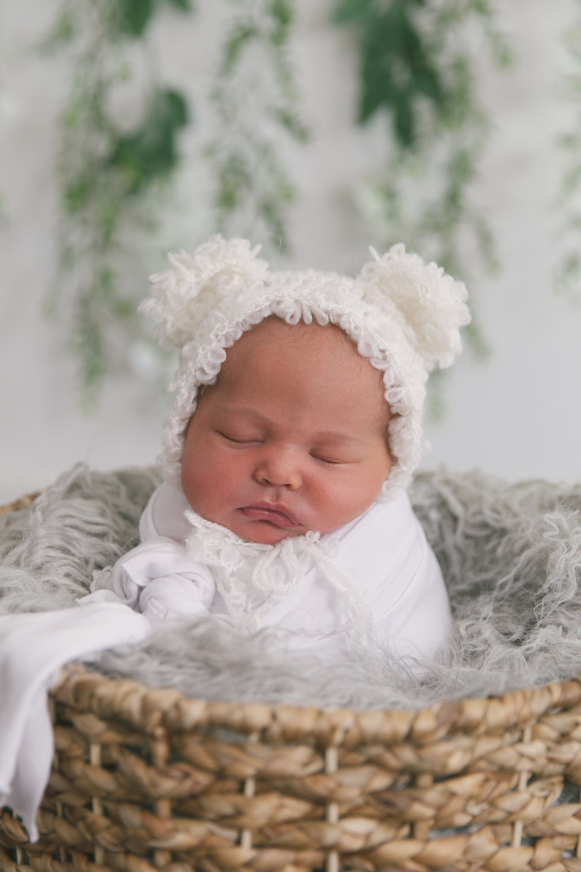 posed studio newborn baby session in cortland oh by newborn photographer christie leigh photo-1.jpg