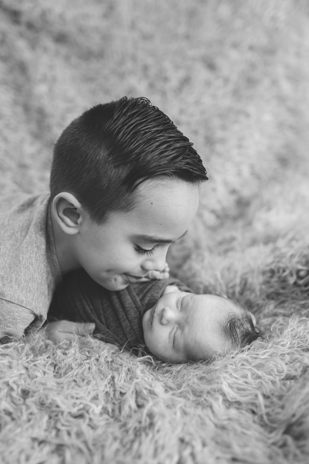sibling and posed newborn session in niles ohio by warren ohio newborn photographer christie leigh photo (14 of 22).jpg