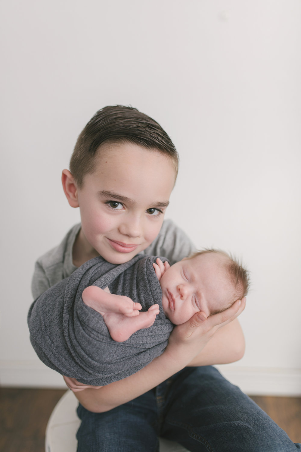 sibling and posed newborn session in niles ohio by warren ohio newborn photographer christie leigh photo (15 of 22).jpg