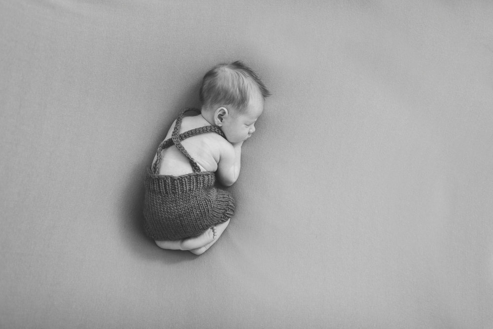 sibling and posed newborn session in niles ohio by warren ohio newborn photographer christie leigh photo (5 of 22).jpg
