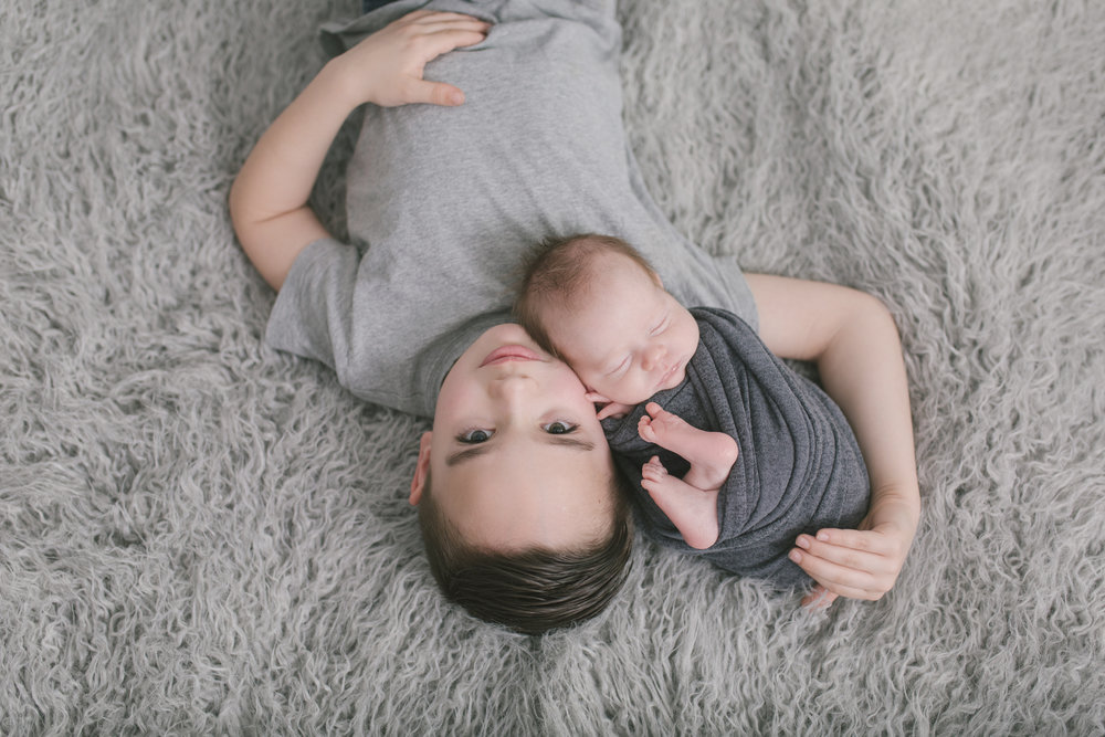 sibling and posed newborn session in niles ohio by warren ohio newborn photographer christie leigh photo (16 of 22).jpg