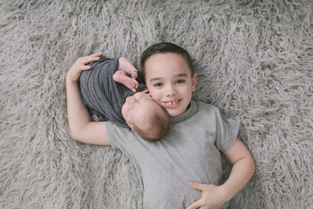 sibling and posed newborn session in niles ohio by warren ohio newborn photographer christie leigh photo (18 of 22).jpg