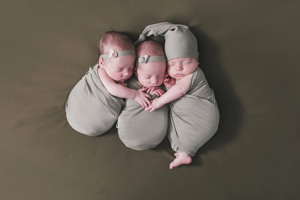 multiples newborn session with newborn triplets in warren ohio by newborn photographer christie leigh photo_3.jpg