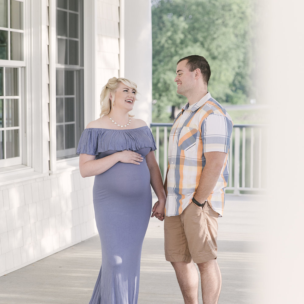 maternity-session-in-hermitage-pa-at-buhl-farm-park-by-maternity-and-newborn-photographer-christie-leigh-photo