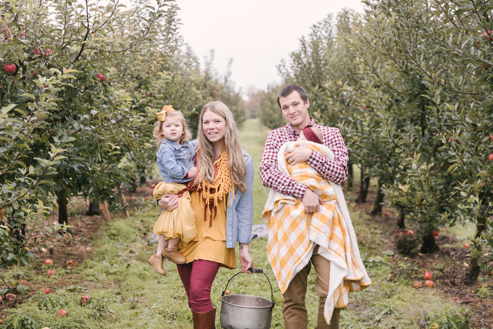family-photography-session-at-hartford-apple-orchards-hartford-ohio-by-family-photographer-christie-leigh-photo-26.JPG
