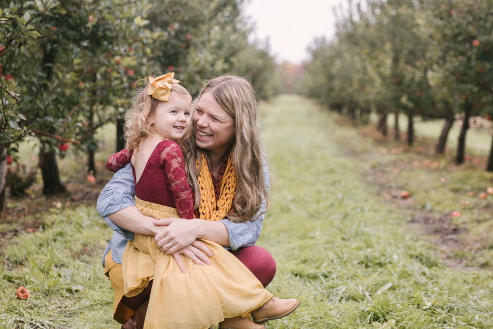 family-photography-session-at-hartford-apple-orchards-hartford-ohio-by-family-photographer-christie-leigh-photo-21.JPG