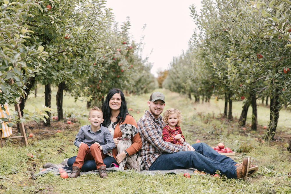 family-photography-session-at-hartford-apple-orchards-hartford-ohio-by-family-photographer-christie-leigh-photo-35.JPG