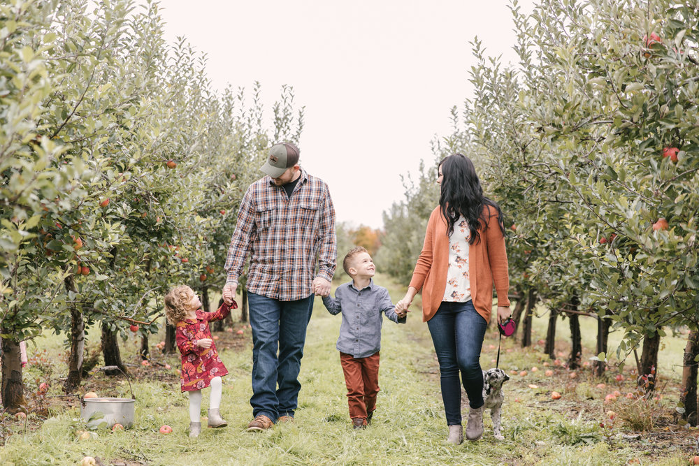 family-photography-session-at-hartford-apple-orchards-hartford-ohio-by-family-photographer-christie-leigh-photo-38.JPG