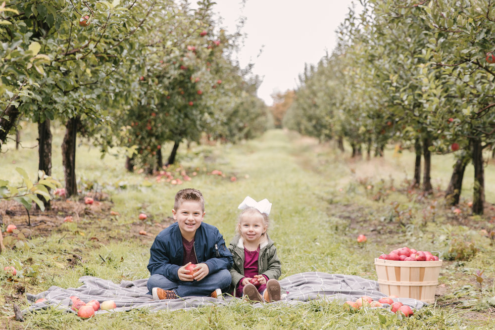 family-photography-session-at-hartford-apple-orchards-hartford-ohio-by-family-photographer-christie-leigh-photo-59.JPG