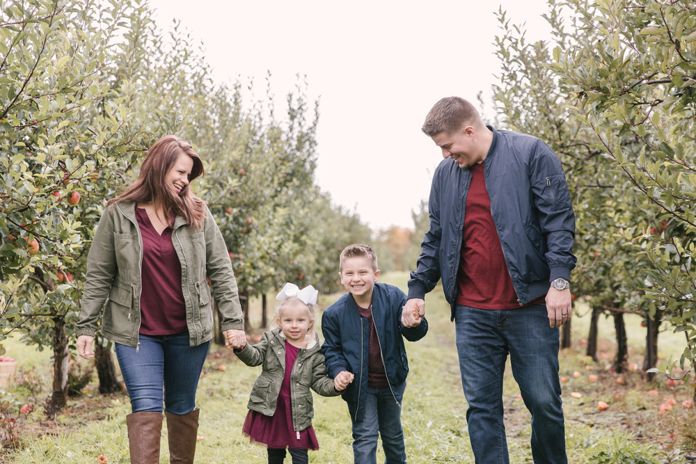 family-photography-session-at-hartford-apple-orchards-hartford-ohio-by-family-photographer-christie-leigh-photo-58.JPG