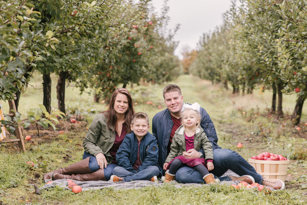 family-photography-session-at-hartford-apple-orchards-hartford-ohio-by-family-photographer-christie-leigh-photo-60.JPG