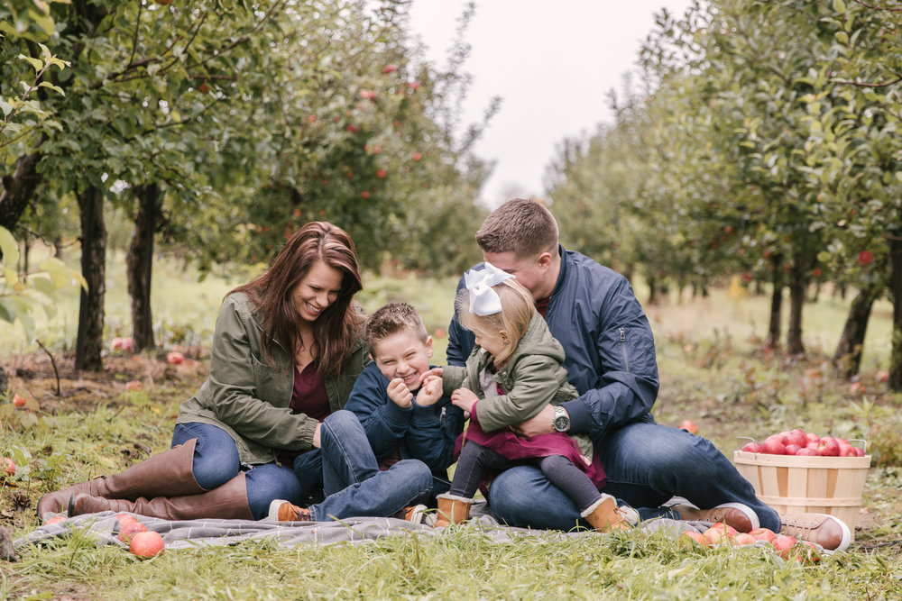 family-photography-session-at-hartford-apple-orchards-hartford-ohio-by-family-photographer-christie-leigh-photo-61.JPG