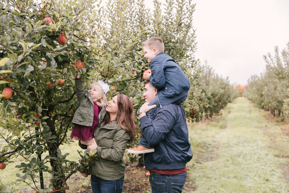 family-photography-session-at-hartford-apple-orchards-hartford-ohio-by-family-photographer-christie-leigh-photo-62.JPG