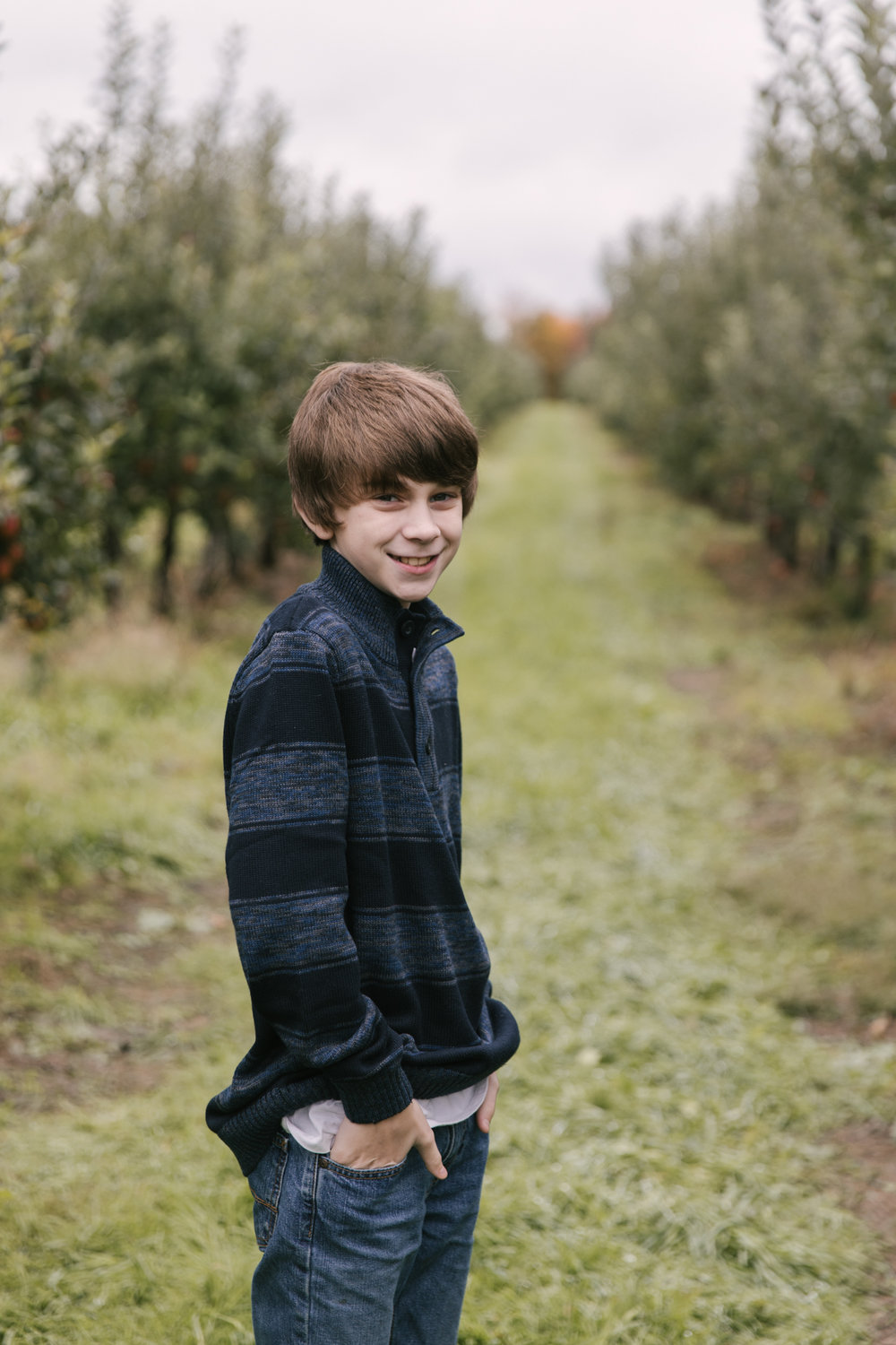 family-photography-session-at-hartford-apple-orchards-hartford-ohio-by-family-photographer-christie-leigh-photo-55.JPG