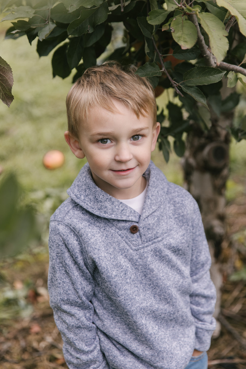 family-photography-session-at-hartford-apple-orchards-hartford-ohio-by-family-photographer-christie-leigh-photo-57.JPG