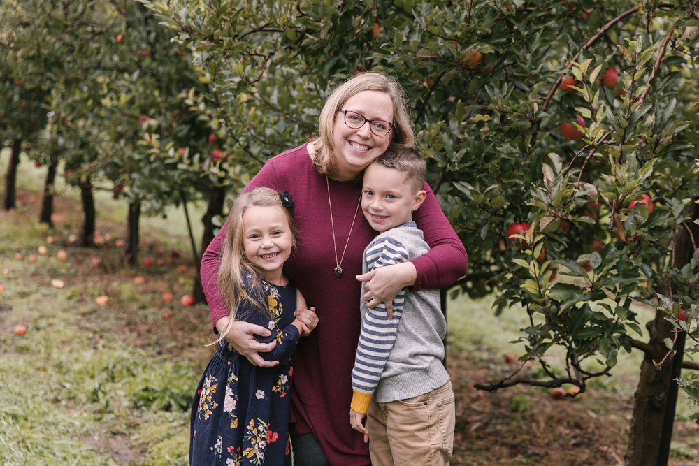 family-photography-session-at-hartford-apple-orchards-hartford-ohio-by-family-photographer-christie-leigh-photo-3.JPG