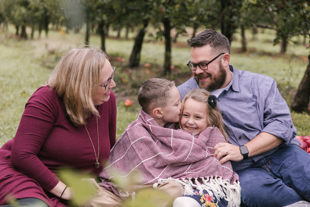 family-photography-session-at-hartford-apple-orchards-hartford-ohio-by-family-photographer-christie-leigh-photo-7.JPG
