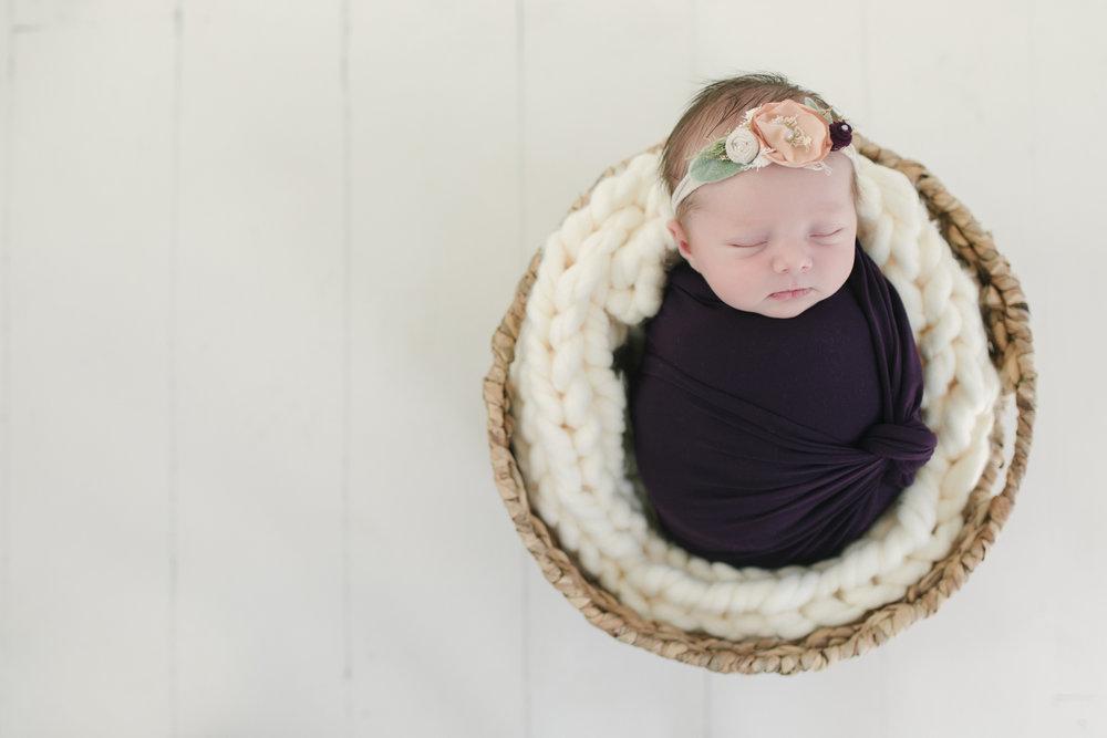 warren-youngstown-akron-cleveland-ohio-newborn-photographer-greenville-hermitage-meadville-pennsylvania-newnorn-photos-by-newborn-photographer-christie-leigh-photo-in-corltand-ohio-2.JPG