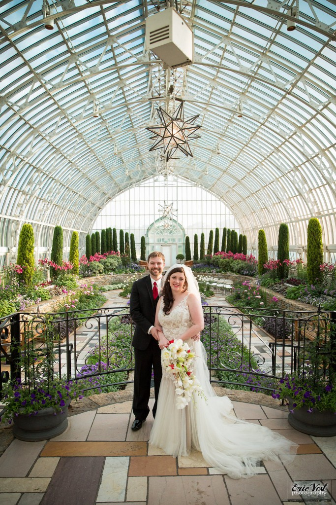 Unique wedding venues in Minnesota- Como Park Zoo and Conservatory