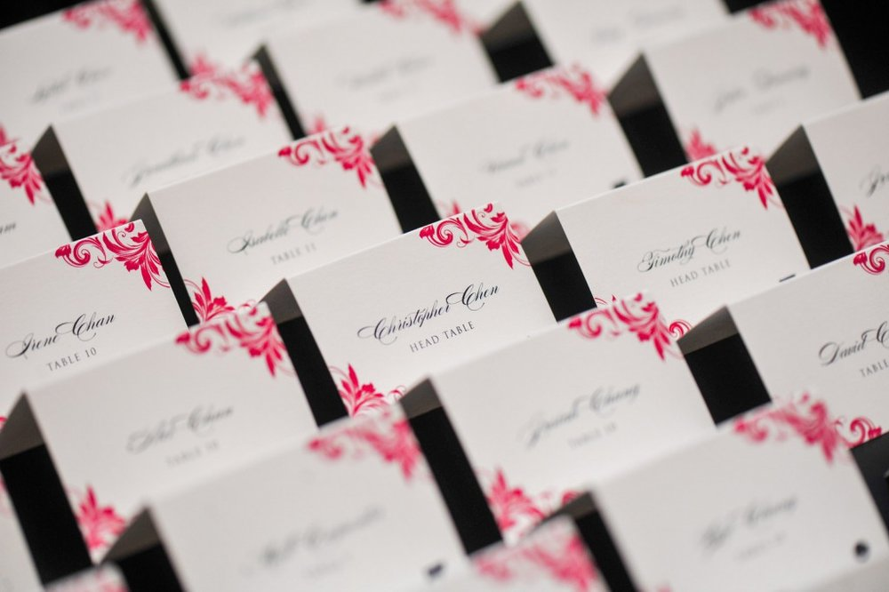 placecards with pink flourish