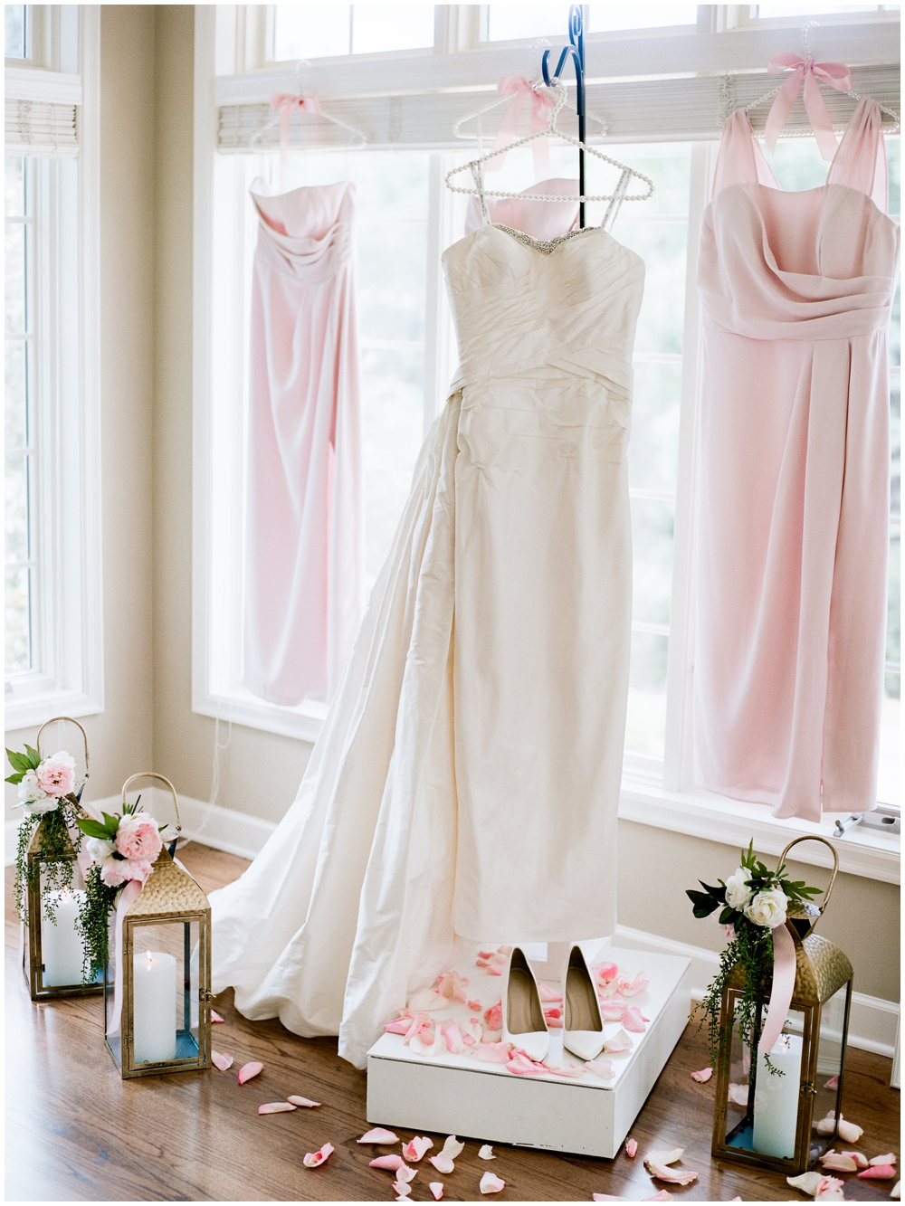 MN Weddings-White Bear Yacht Club_0007.jpg
