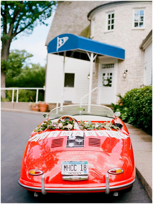 MN Weddings-White Bear Yacht Club_0020.jpg