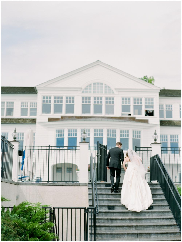 MN Weddings-White Bear Yacht Club_0022.jpg